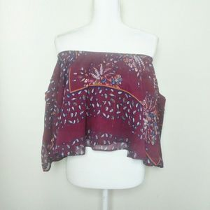 Romeo and Juliet Couture Off Shoulder Blouse Med